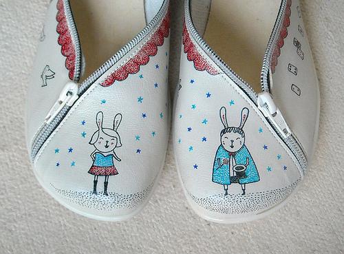 biribis  IB Flickr group picks: shoes, mugs and mixed media