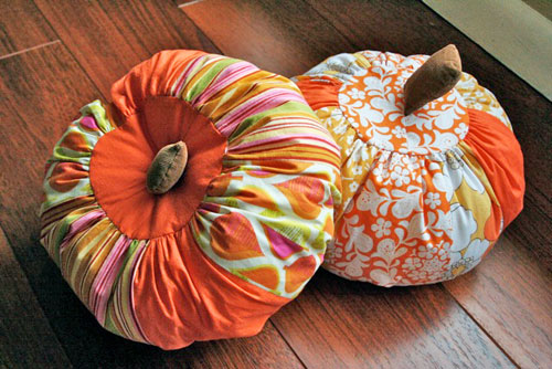 fabric pumpkins by gingercake  15 ideas and tutorials for your crafty pumpkins