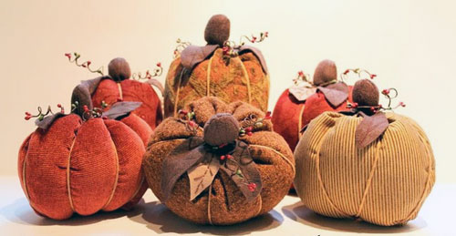 fabricpumpkin by thecottagehome  15 ideas and tutorials for your crafty pumpkins