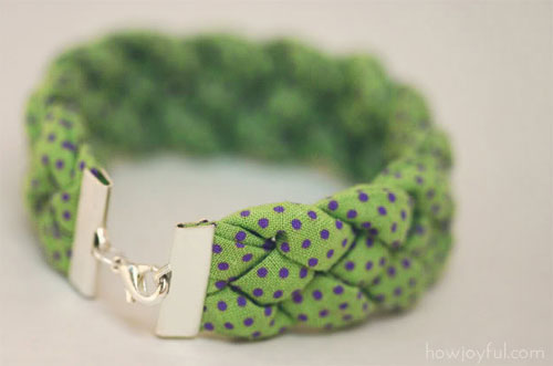 braided bracelet by howjoyful  10 DIY tutorials for the most fashionable bracelets of the moment
