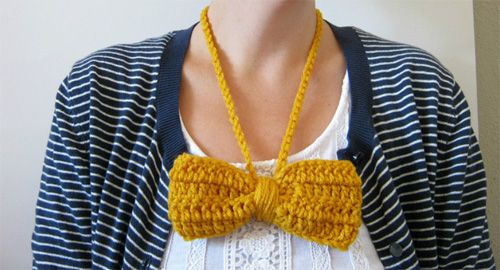 big crochet bow necklace by cornflowerbluestudio  IB Flickr Group picks: Necklaces. Late Summer Early Fall.
