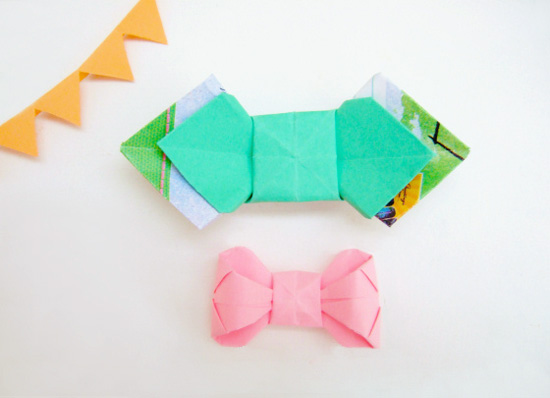paperfolding origami bowties 1  DIY paper folding origami bow tie tutorial: packaging hurrah!