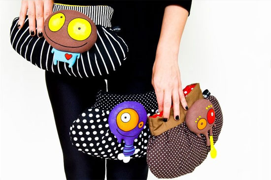 Amigonstro bags with puppets  Amigonstro, accessories with puppets.