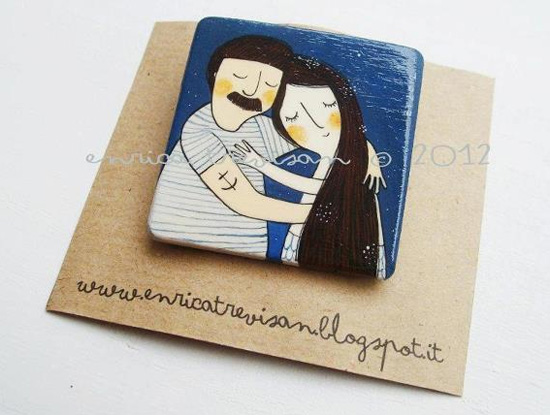 Handmade and hand painted brooch by Enrica Trevisan  Hand painted by Enrica Trevisan