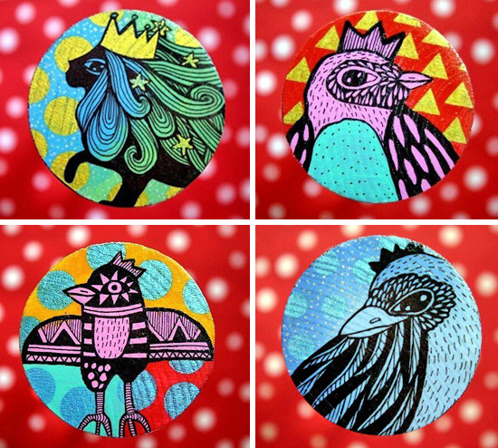 Hand painted wooden brooches by Ojo Magico  Hand painted handmade by Ojo Magico