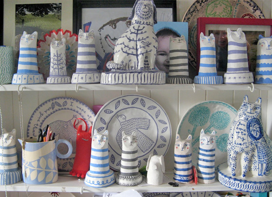 ceramic cats by vicky lindo  Vicky Lindo free-hand drawings on ceramics
